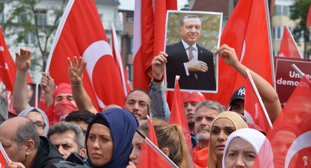 Des milliers de Kurdes dans les rues de Cologne pour protester contre Erdogan