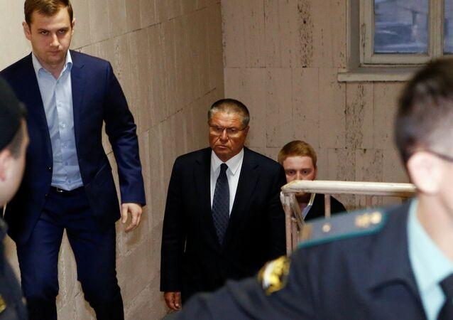 Série d'éléments à charge contre l'ex-ministre Oulioukaïev