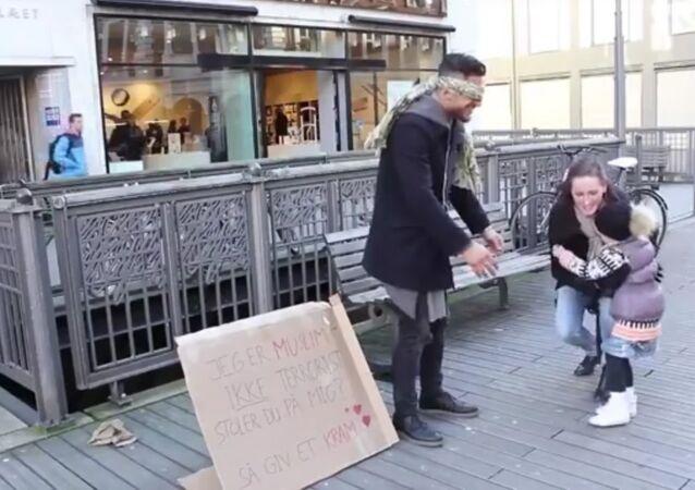 Seriez-vous prêts à faire un câlin à un musulman dans la rue?