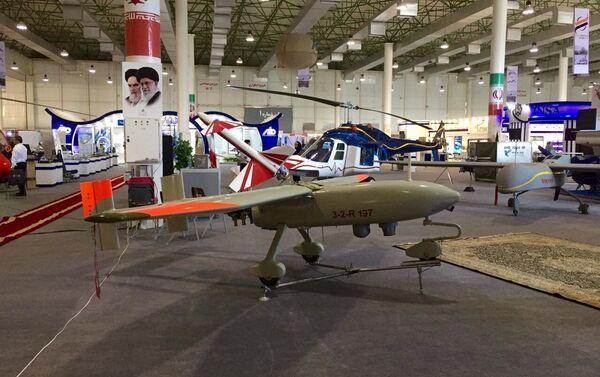 Le nouveau drone militaire iranien Ababil-3. L'engin est doté d'un moteur à essence à 4 temps. Sa durée de vol est de 8 heures, son plafond est d'environ 4 500 m et son rayon d'action de 250 km. - Sputnik France
