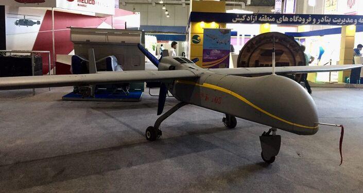 Le drone-espion iranien Fatrus, capable d'emporter un grand nombre de missiles. Son plafond est de 7 600 mètres. Le drone est surtout conçu pour les missions de reconnaissance.