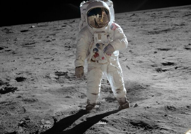 Un homme sur la Lune
