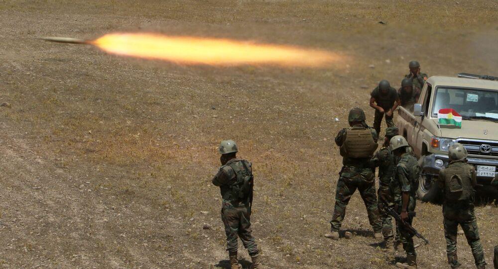 Des militaires kurdes dans le sud-est de Mossoul