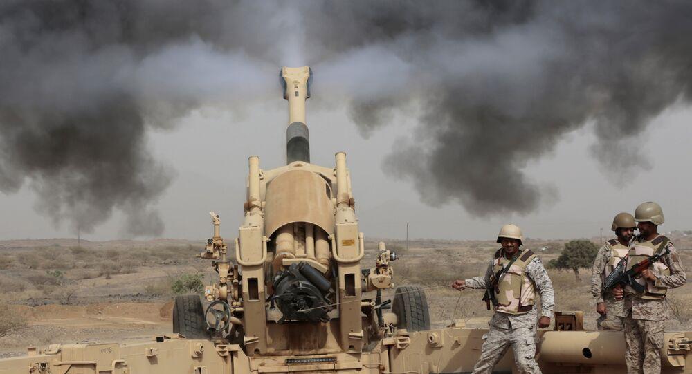 L'artillerie saoudienne participe à l'opération militaire au Yémen