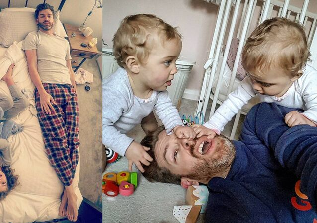 Simon Hooper et ses enfants