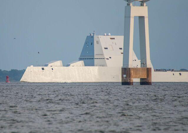 Le destoyer américain USS Zumwalt (DDG 1000)