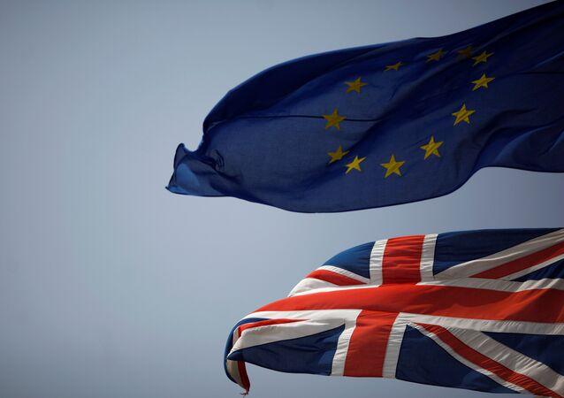 «Dans ce cas, je vous verrai à La Haye!», l'UE menace Londres d'un procès