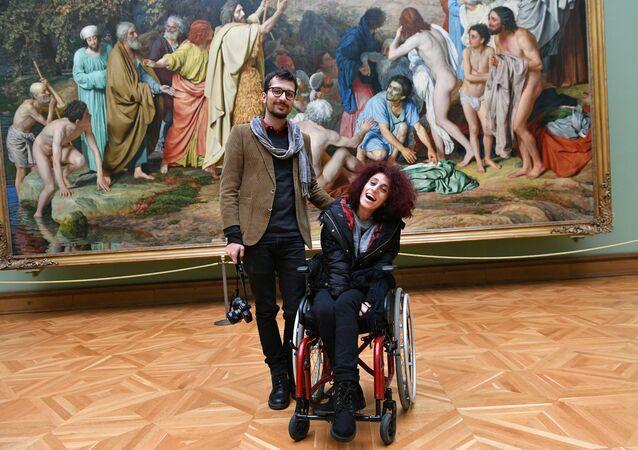 Concours Andreï Stenine: l'héroïne paralysée de la photo gagnante vient à Moscou