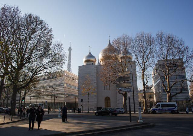 Cathédrale orthodoxe à Paris: symbole de ce que doit être les relations franco-russes