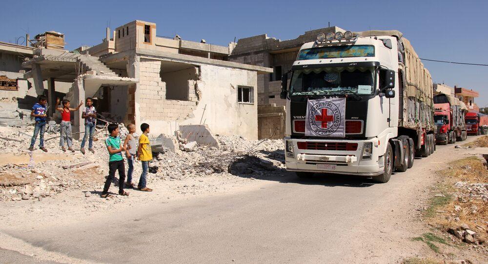 Un convoi humanitaire de la Croix rouge en Syrie