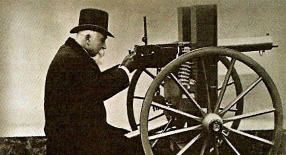 des mitrailleuses Maxim