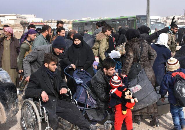 Des personnes évacuées d'Alep-Est