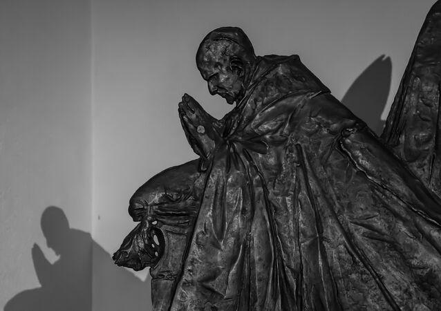Rome - Vatican City Statue