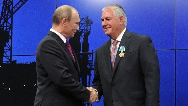 Vladimir Poutine et Rex Tillerson - Sputnik France