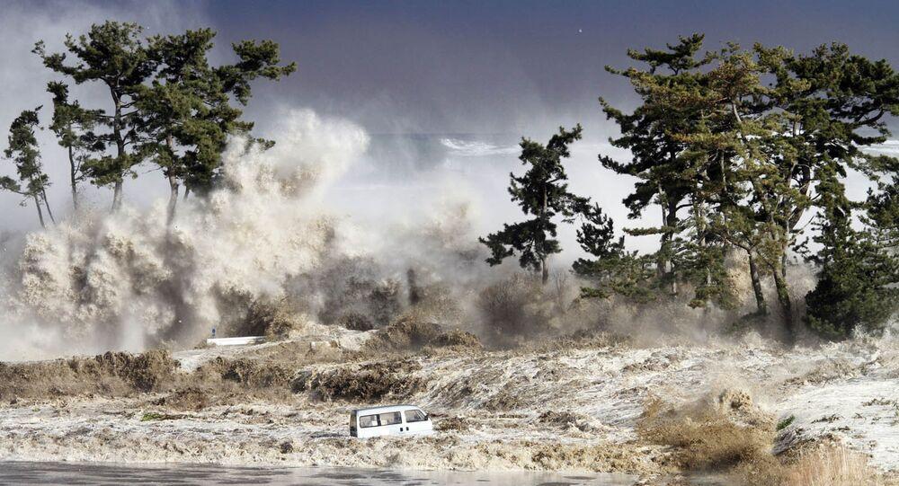Les vagues de tsunami, image d'illustration