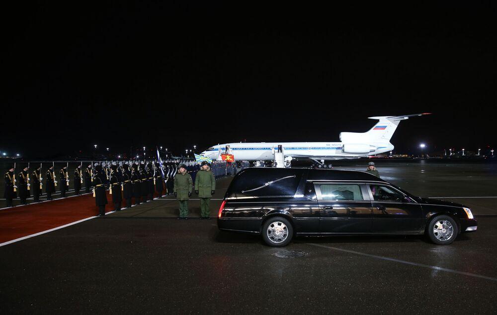 Moscou: arrivée de l'avion avec le corps de l'ambassadeur russe tué à Ankara