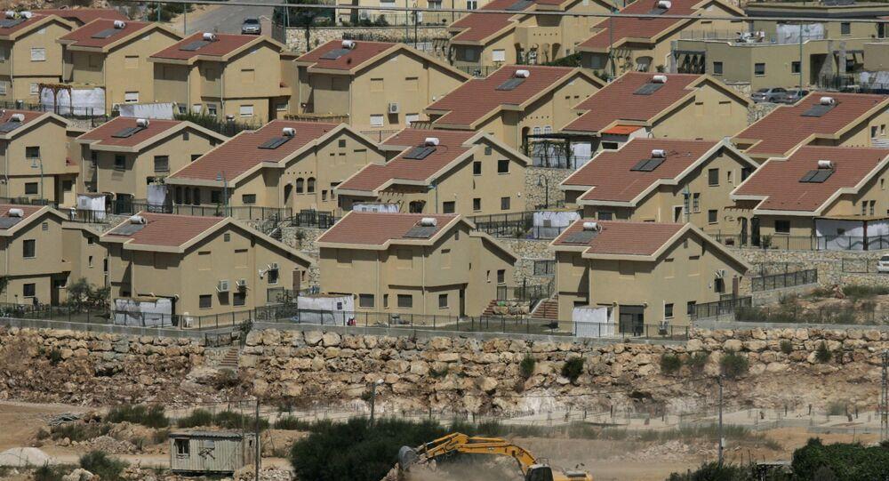 La colonie israélienne de Kiryat Netafim, située en Cisjordanie, près du village de Salfit