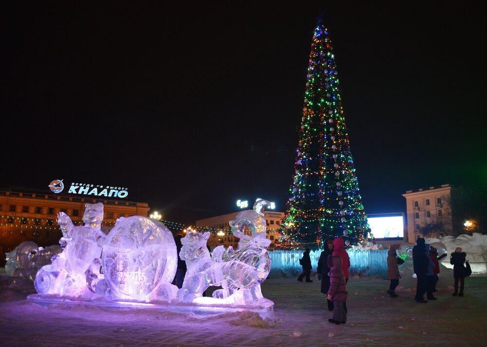 Un sapin de Noël au centre de Khabarovks, en Sibérie