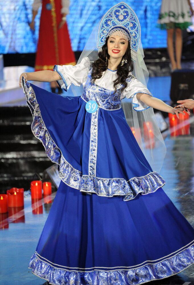 Les plus belles participantes du concours de beauté «Reine des neiges»