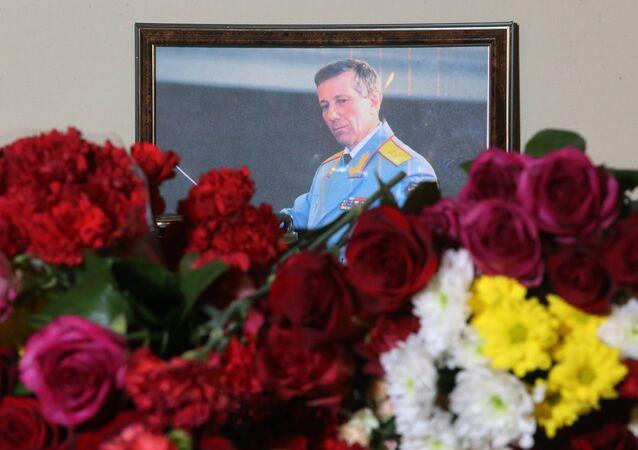 Une photo du directeur artistique de l'ensemble Valeriï Khalilov