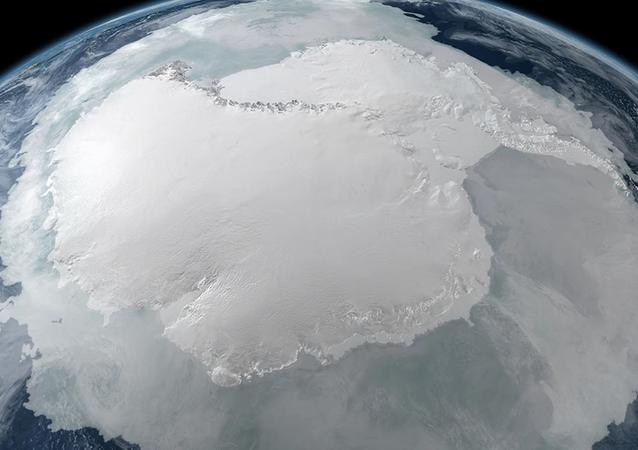 Un «parking» nazi pour les OVNI retrouvé en Antarctique!