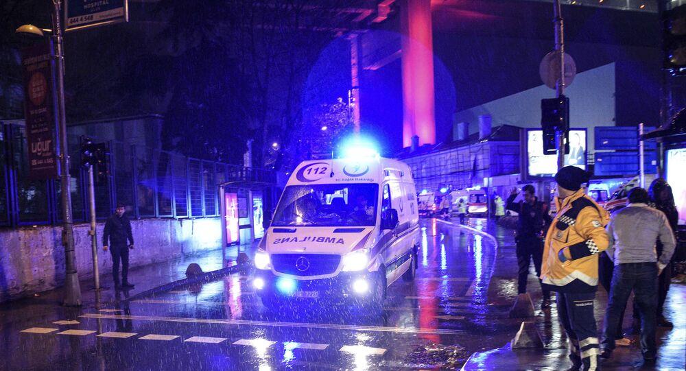 Les ambulances sur les lieux de l'attaque meurtière à Istambul, en Turquie