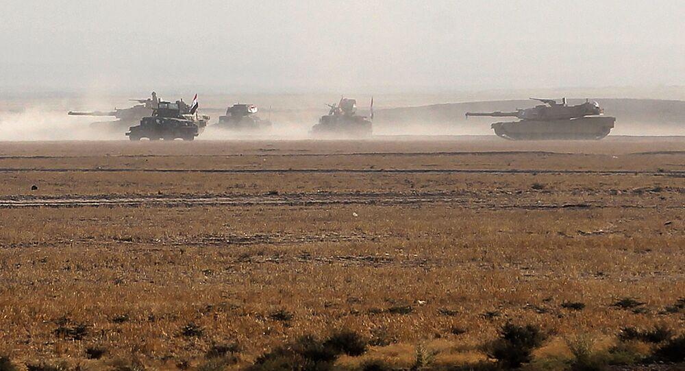 Des soldats irakiens s'emparent du QG des terroristes tchéchènes de Daech à Mossoul
