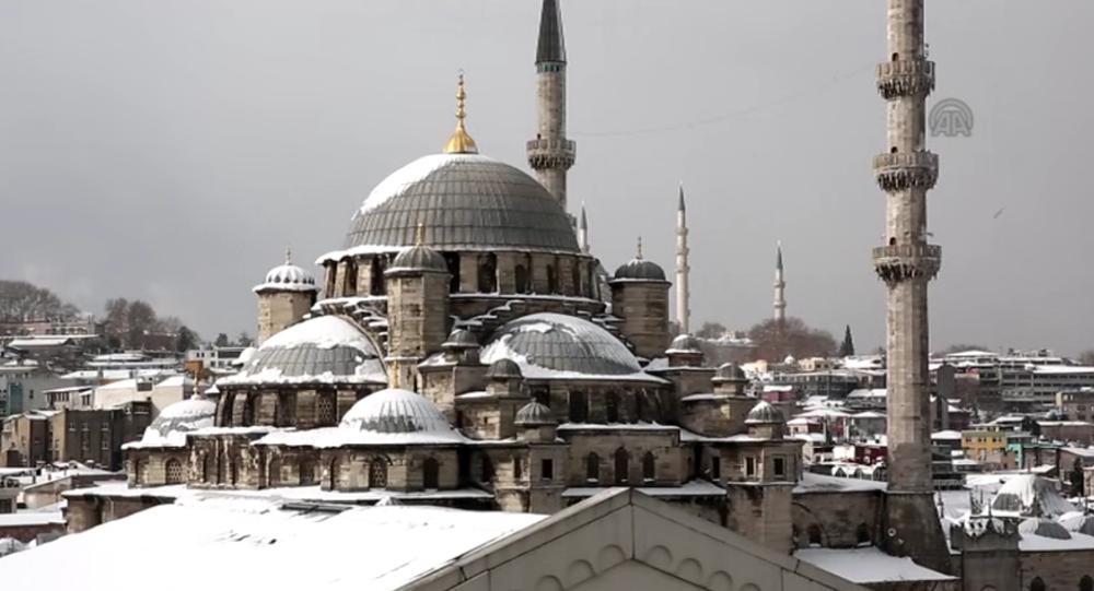 Istanbul ensevelie sous la neige!
