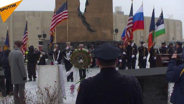 L'hymne russe chanté par des Américains en honneur des victimes du Tu-154 - Sputnik France