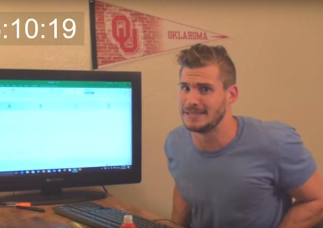 Un americain passe plus de 9 heures pour atteindre «le fond» d'Excel