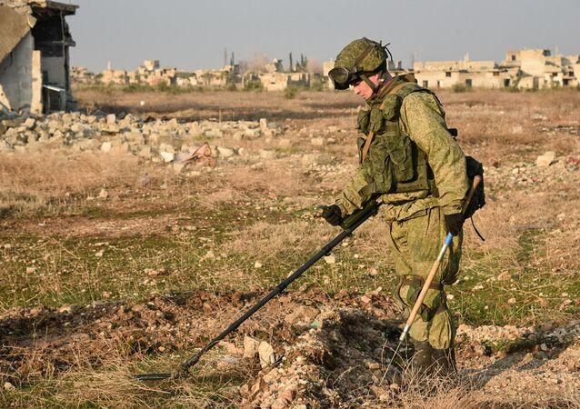 Les sapeurs russes poursuivent l'opération de déminage dans Alep-Est, en Syrie