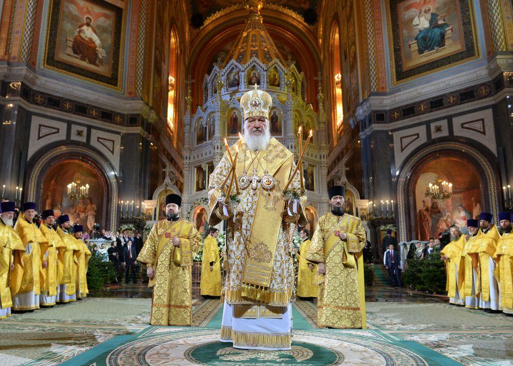 Le patriarche de Moscou et de toute la Russie Cyrille lors du service religieux de Noël dans la cathédrale du Christ-Sauveur à Moscou