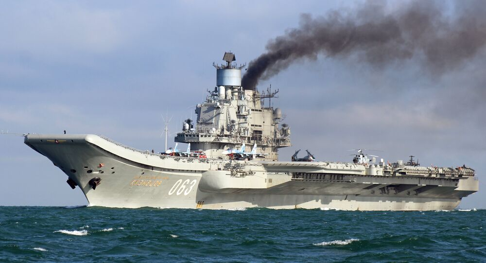 le porte-avions lourd Amiral Kouznetsov