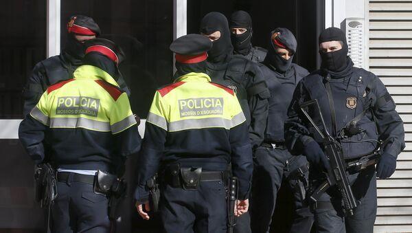 Un stock d'armes pour les terroristes découvert en Espagne - Sputnik France