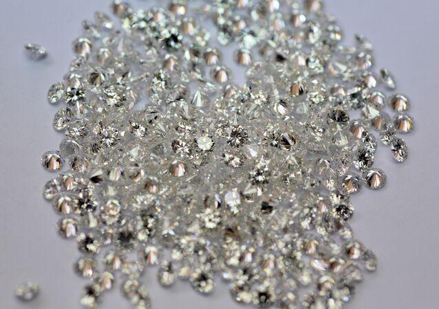 Sécurité renforcée, état d'urgence: 15 mlns EUR de bijoux braqués à Cannes malgré tout