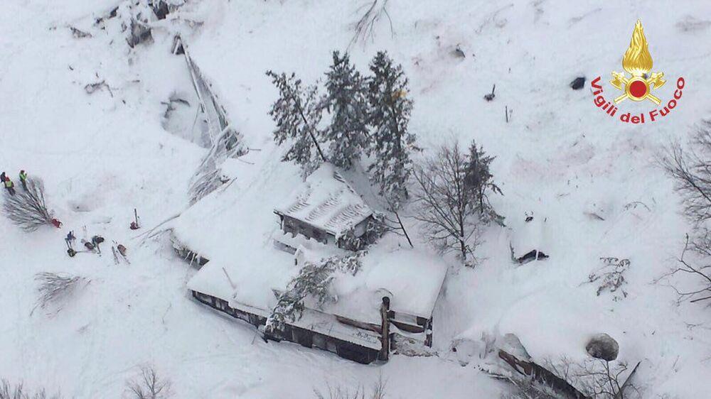 Les conséquences de l'avalanche meurtrière en Italie