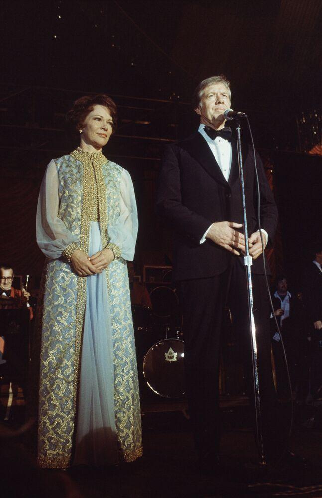 Le président américain Jimmy Carter et sa femme Rosalyn à la Maison Blanche en 1977