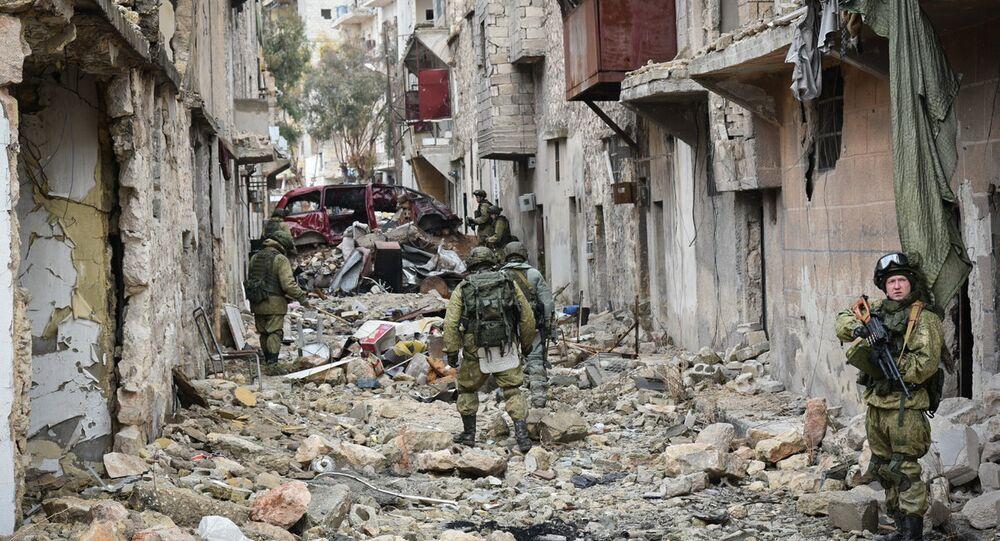 Déminage des quartiers est d'Alep
