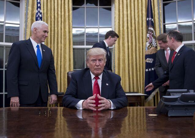 Donald Trump dans le Bureau ovale de la Maison banche