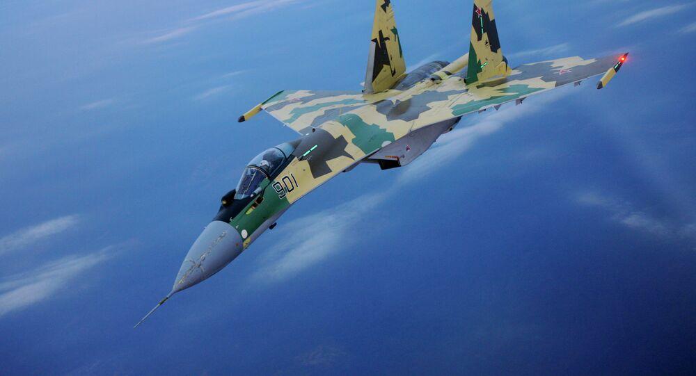 Pourquoi les Su-35 russes surpassent les F-15 US