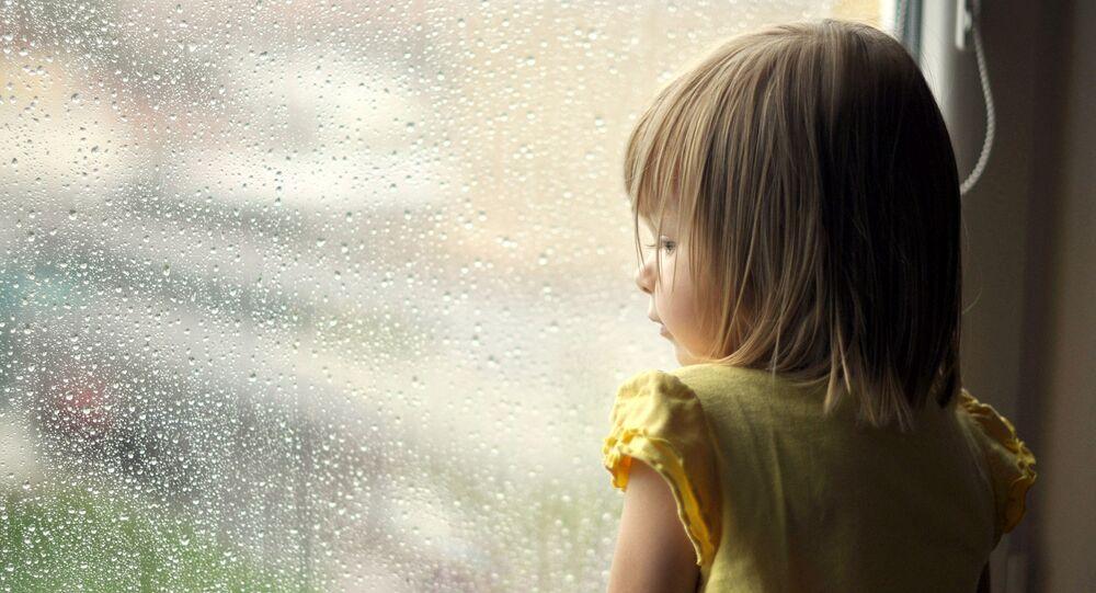 À 4 ans, elle file de sa maison pour rejoindre son amoureux