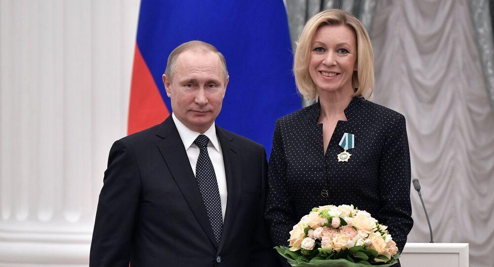 Vladimir Poutine et Maria Zakharova