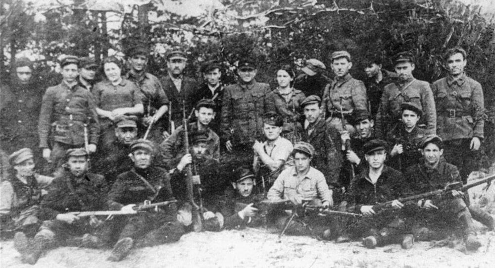 Les partisans Bielski