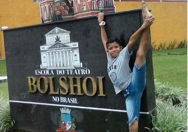 Un Brésilien rêve d'étudier à l'école du Bolchoï