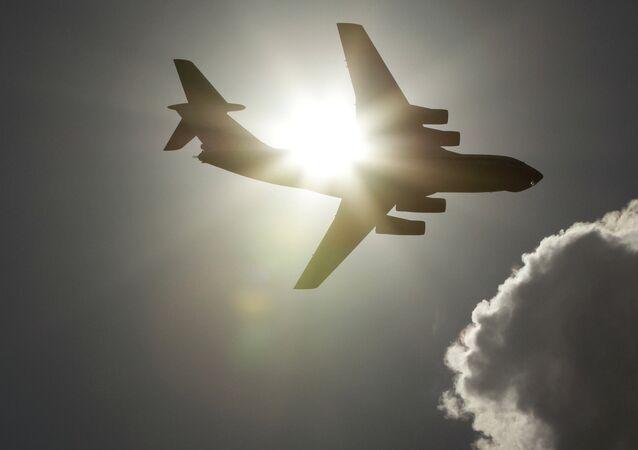 Avion Iliouchine Il-76