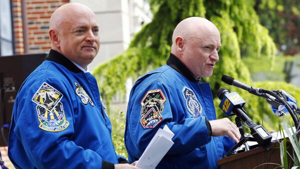 Scott Kelly et Mark Kelly - Sputnik France
