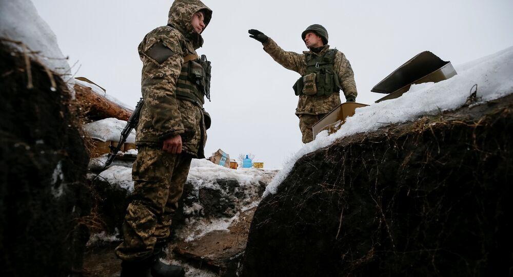 Des militaires ukrainiens dans le Donbass