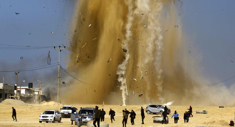 Bande de Gaza: l'aviation israélienne frappe en représailles les positions du Hamas