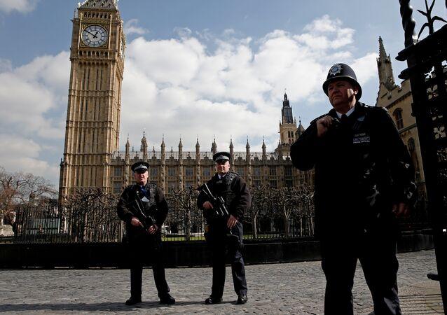 Les policiers britanniques