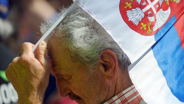 Die Nationalflagge Serbiens - Sputnik France